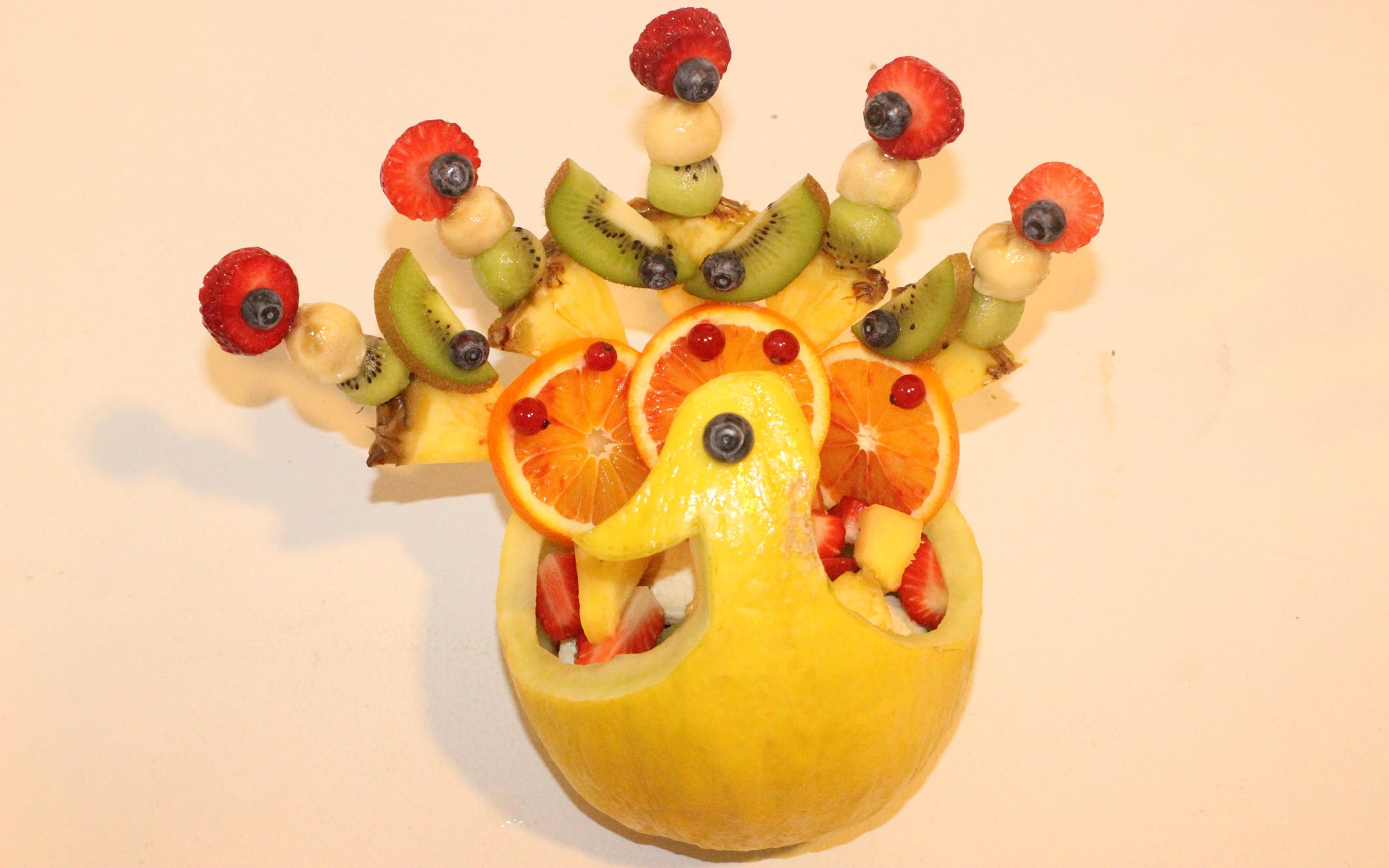 scuola_fruit_carving